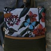 Todas estas posibilidades en un solo bolso y además mochila. Se puede pedir más?? #nuevosproyectos2021 #diseñopropio #productolocal #handmadebag #telabonita #marcaartesanal #dekorain