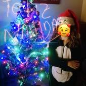 """Os deseo una muy Feliz Navidad! Hoy me gustaría dar las gracias a tod@s los que habéis confiado en mi a la hora de adquirir vuestr@s mascarillas a lo largo de estos meses tan duros, también a tod@s l@s  que me habéis ayudado con vuestr@s compras y mencionar a la tienda """"La Vasi"""" y a @peluqueriabellezasoco En Lumbier que me han ayudado tanto vendiendo mis productos, por último  un beso muy fuerte a tod@s las personas que me han apoyado 😏 porque muchas veces he estado a punto de #Tirar la  Toalla"""" GRACIAS!!!!!! 😘😘😘Y Un deseo para el año que viene Que sea mejor para TODOS"""